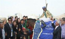 Contenido de la imagen Fly Lexis brindó exhibición (Jockey Club del Perú)